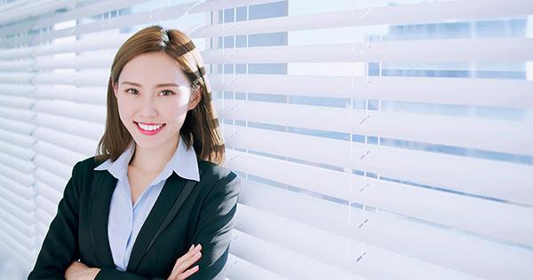 年轻的律师如何快速让客户信任?